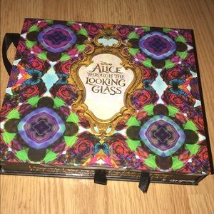 •  Alice Through The Looking Glass Palette•